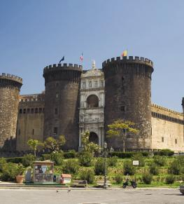 NAPLES: THE HISTORICAL CENTER AND THE ARCHAEOLOGICAL MUSEUM